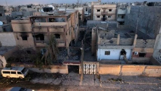 Depuis la chute en 2011 de Mouammar Kadhafi, des groupes armés s'affrontent pour le contrôle du territoire