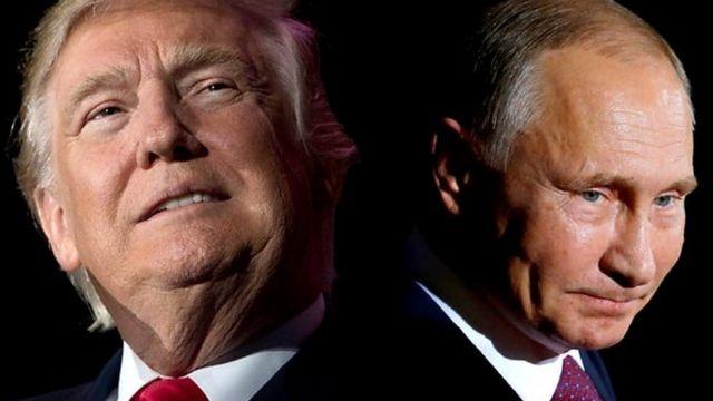 Perezida Donald Trump (iburyo) na Perezida w'uburusiya Vladmir Putin (ibumoso)
