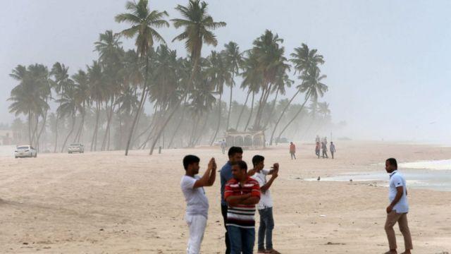 عاصفة مدارية عمان