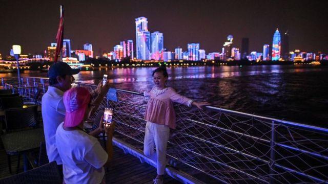 Turistas en Wuhan.