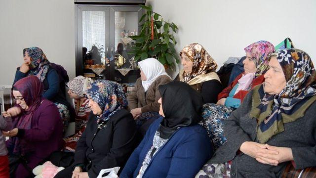 AKP Kadın Kolları'nın Ankara'daki ev ziyareti