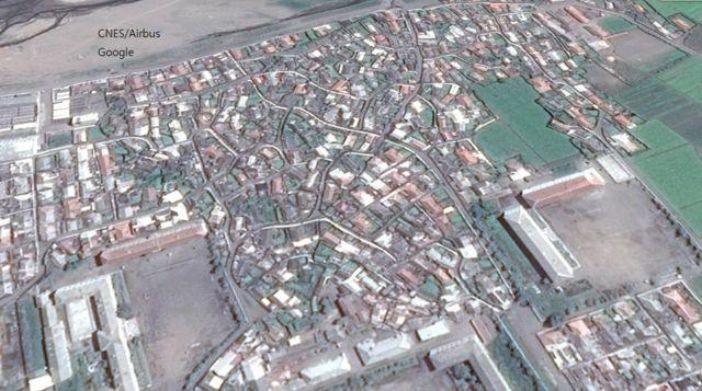 구글 어스(Google Earth)로 본 길주읍. 이 곳 출신 한 탈북자는 구글 어스를 통해 자신이 살던 집과 형제들이 현재 살고 있는 집을 본다고 했다.