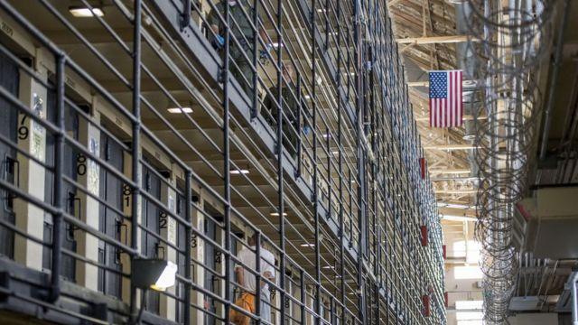 В США началась всеобщая забастовка заключенных - BBC News Русская служба