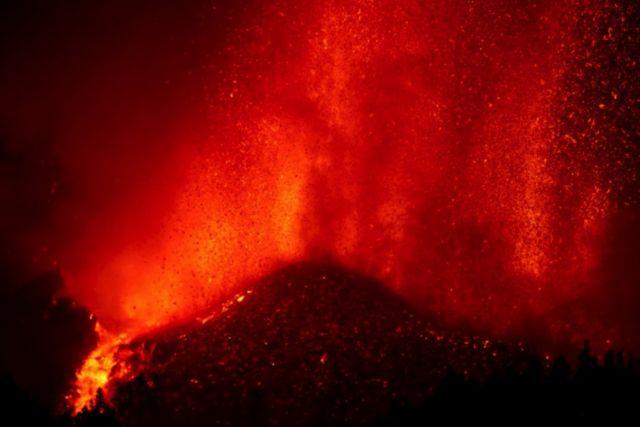 Erupção do vulcão nas Ilhas Canárias despertou preocupações entre algumas pessoas de um tsunami no Brasil