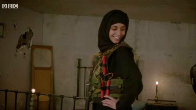 """مقطع من """"رباب بيوت تنظيم الدولة الحقيقيات"""""""