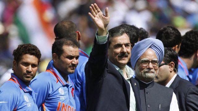 मोहाली के क्रिकेट मैच में भारत और पाकिस्तान के प्रधानमंत्री एक साथ