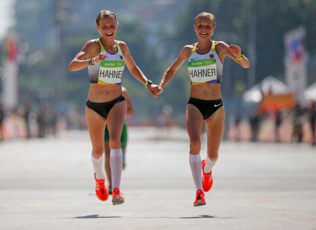 Las gemelas llegaron en los puestos 81 y 82 en la carrera.
