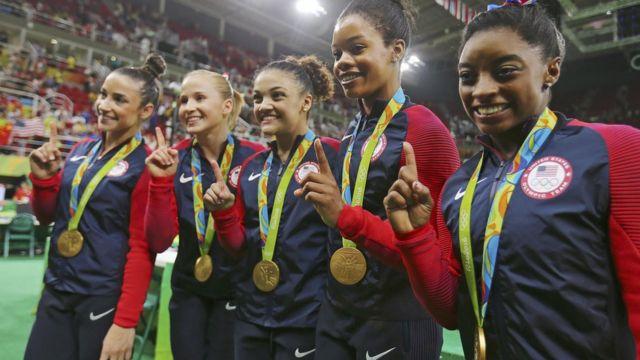 Золото завоевали гимнастки из США