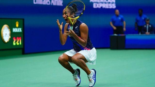 Raducanu'nun finalde rakibi Laylah Fernandez, tenis dünyanın bir diğer yükselen genç yıldızı.