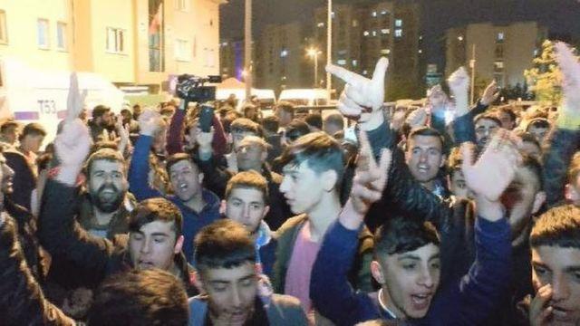 Küçükçekmece'de protesto gösterisi düzenleyenler