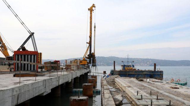 Construcciones del nuevo puerto de Trieste en Italia.