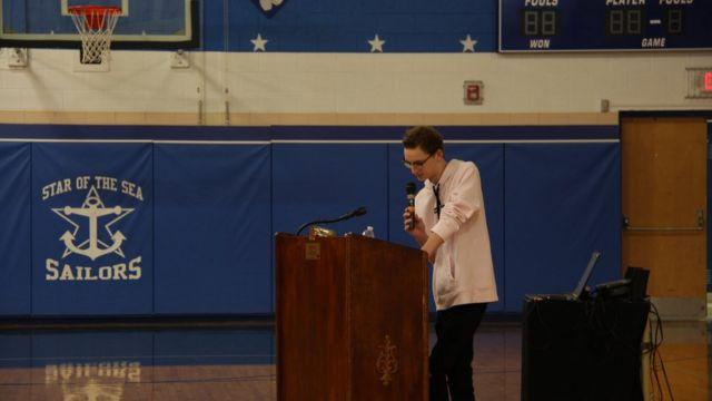 Ament dá palestra em escola