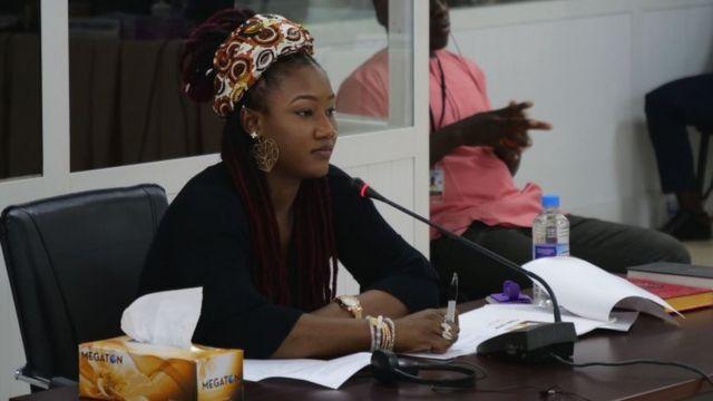 """Fatou """"Toufah"""" Jallow, jeune femme gambienne qui accuse l'ancien président Jammeh de viol."""