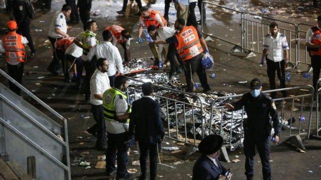 اجساد قربانیان در محل حادثه دیده می شد