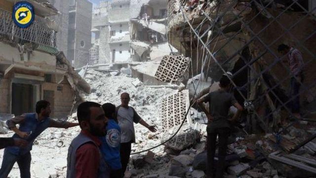 सीरिया विद्रोहियों के ठिकानों पर हवाई हमले