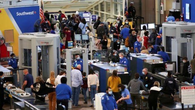 Aeropuerto en EE.UU. en el período del Día de Acción de Gracias