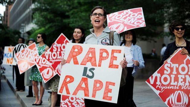 Protesta contra la violencia sexual contra las mujeres en EE.UU.