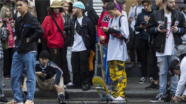 街头潮流的粉丝齐聚纽约。