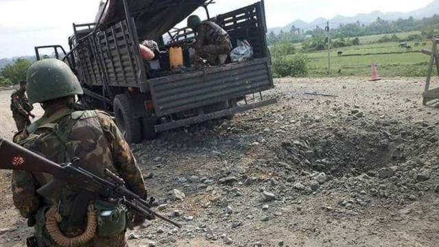 မြောက်ဦးမြို့နယ် တိမ်ညို ကျေးရွာ အနီးမှာ စစ်ကားတန်းကို ရက္ခိုင့်တပ်မတော် (AA) ကနေ မိုင်းခွဲတိုက်ခိုက်ခဲ့လို့ တိုက်ပွဲ ဖြစ်ပွားခဲ့ပါတယ်