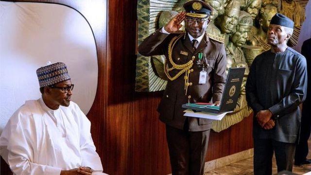 Buhari, Nigeria Immigration oga and VP Osinbajo