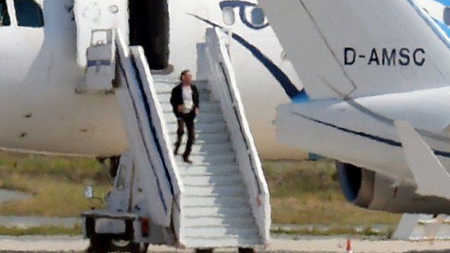 Seif Eldin Mustafa leaves plane