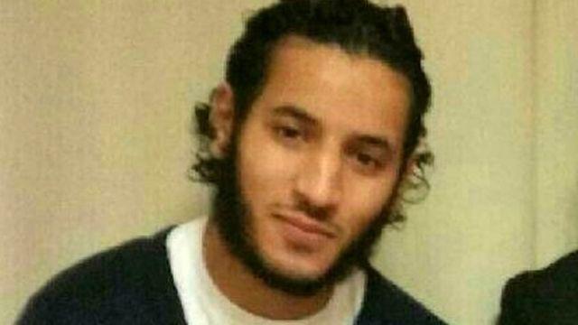 ラロッシ・アバッラ容疑者と思われるフェイスブック上の写真