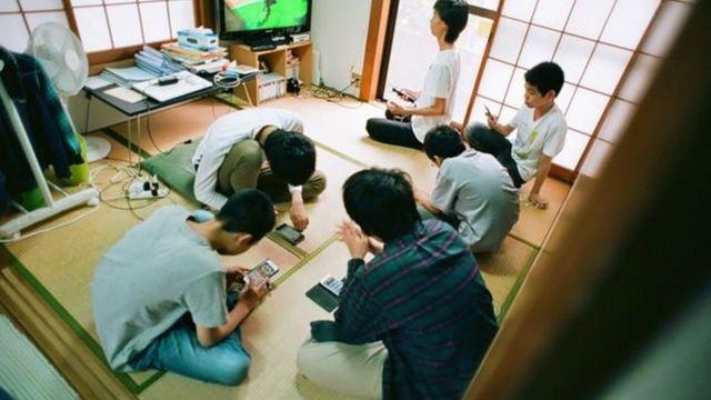 جاپانی بچے سکول