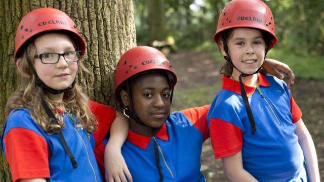 فتيات الكشافة