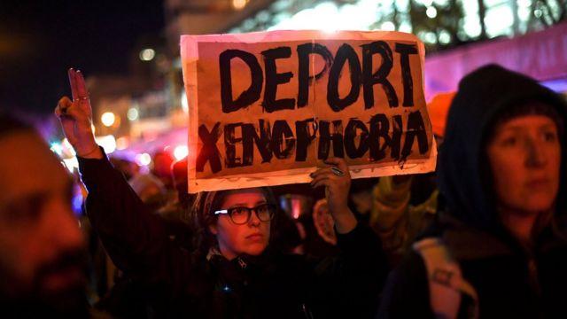 ट्रंप के विरोध में रैली