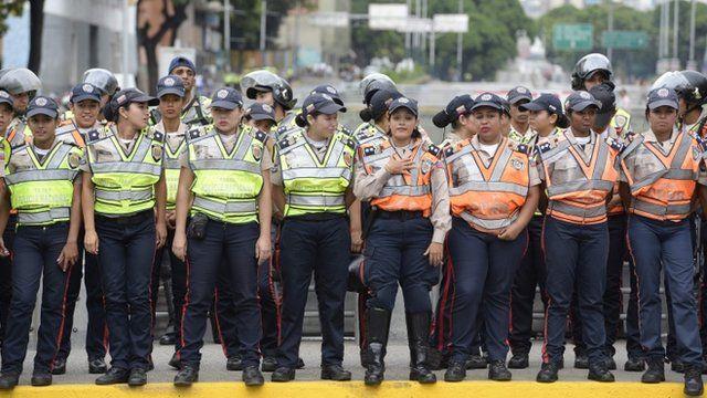 Caracas amaneció con un fuerte despliegue policial.
