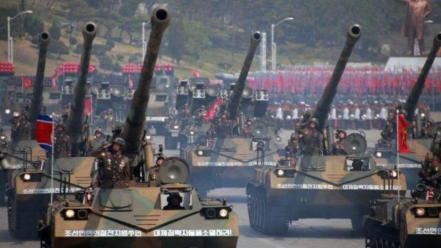Các cuộc diễu binh trong những năm trước đều có các màn trưng bày các loại loại phương tiện chiến đấu bọc thép