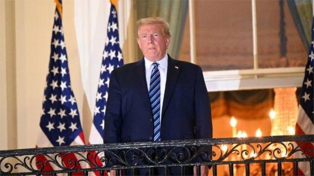 ظهور دونالد ترامب أمام حشد في البيت الأبيض للمرة الأولى منذ إصابته بكوفيد 19