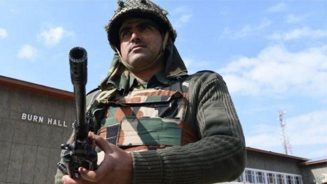 कश्मीर में सेना के एक जवान