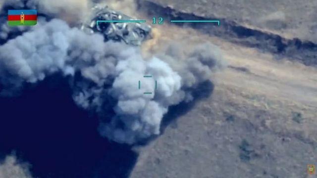 لا تزال الدبابات الأذربيجانية تتعرض للهجوم في 30 سبتمبر