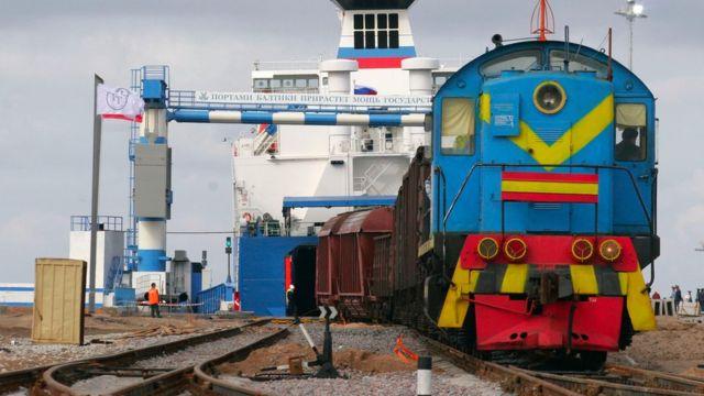 Порт в Усть-Луге