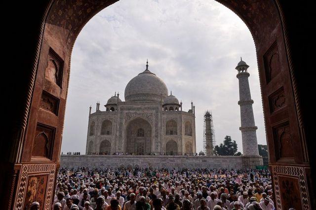 Dhismaha Taj Mahal ayaa sannad kaste soo jiita malaayiin dalxiise yaal ah