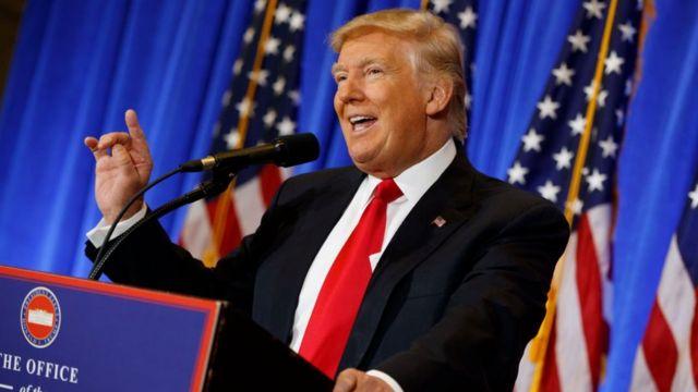 Những cáo buộc chống lại Donald Trump giống như kịch bản của một bộ phim dở