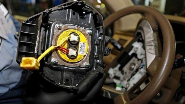 欠陥があったタカタ製エアバッグの一部は、膨張時に破裂した