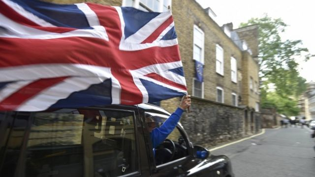 Leave supporter driving a black cab