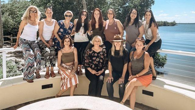 perempuan, rokok, hipnoterapi, pengusaha