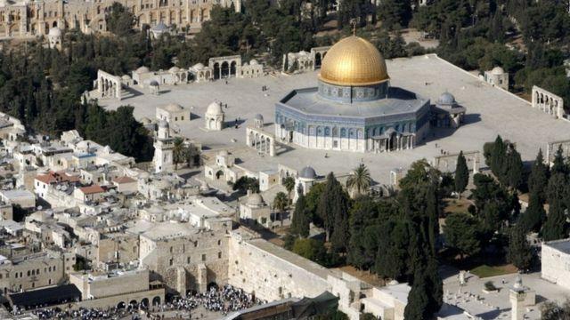 تصویر هوایی از محوطهای که مسلمانان به آن حرم شریف و یهودیان به آن کوه معبد میگویند