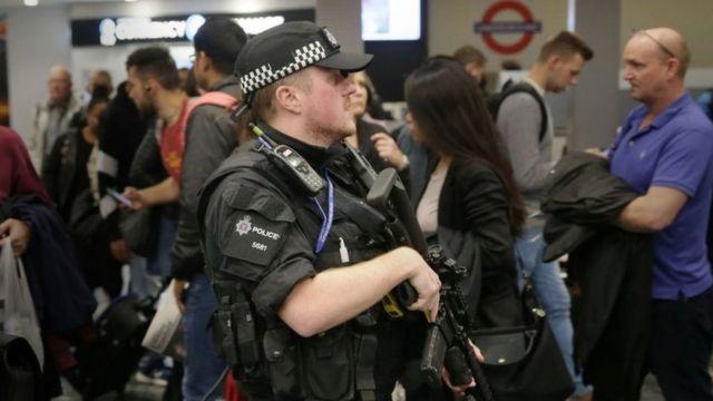 La police surveille toutes les stations de métro de la capitale britannique depuis l'attentat de vendredi
