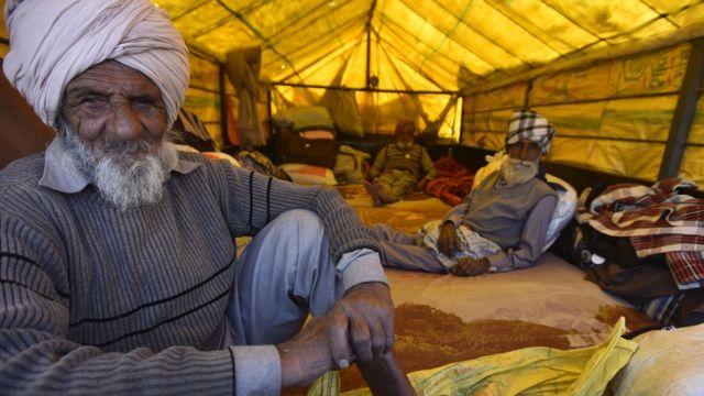 পাঞ্জাবের কৃষকরা বলছেন দীর্ঘ আন্দোলনের প্রস্তুতি নিয়েই তারা দিল্লিতে এসেছেন