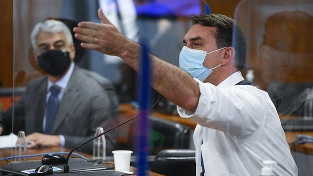 Flávio Bolsonaro na CPI