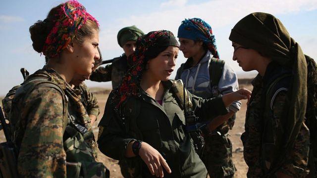 نیروهای دموکراتیک سوریه ائتلافی از نیروهای کرد، ترکمن، آشوری و عرب است