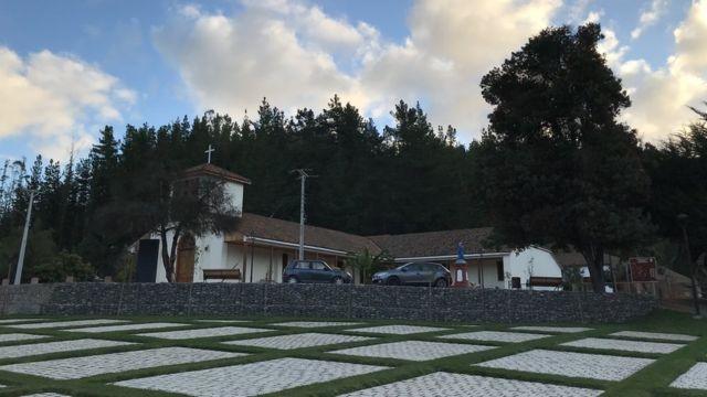 Iglesia de Ciruelos desde el parque