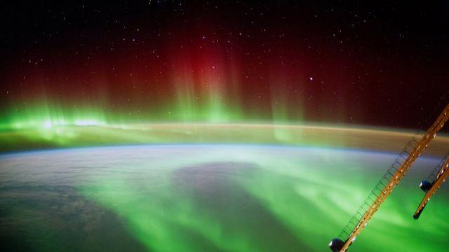 Полярное сияние, снимок с околоземной орбиты немецкого астронавта Александра Герста, 2014 год