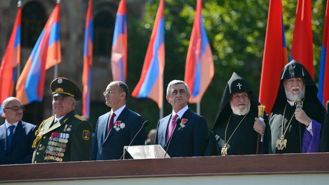 Serj Sarkisyan paradda iştirak edib