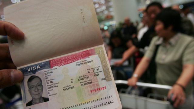 Trump prometió reforzar el control de visado para evitar la entrada de extremistas.