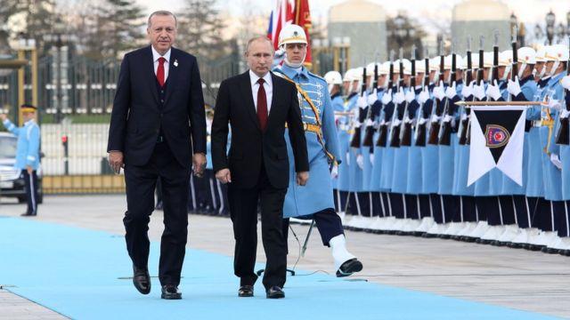Erdoğan ve Putin Ankara'da yanyana yürüyor